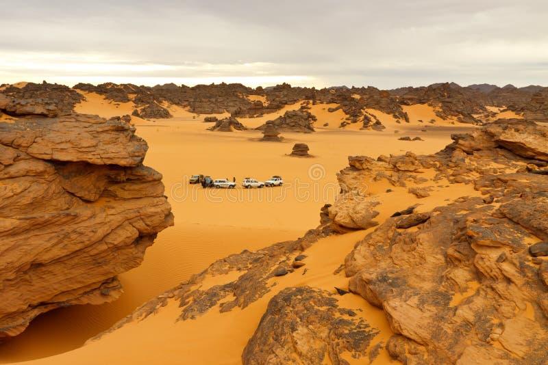 Campant Dans Le Désert - Montagnes D Akakus, Le Sahara Photographie stock