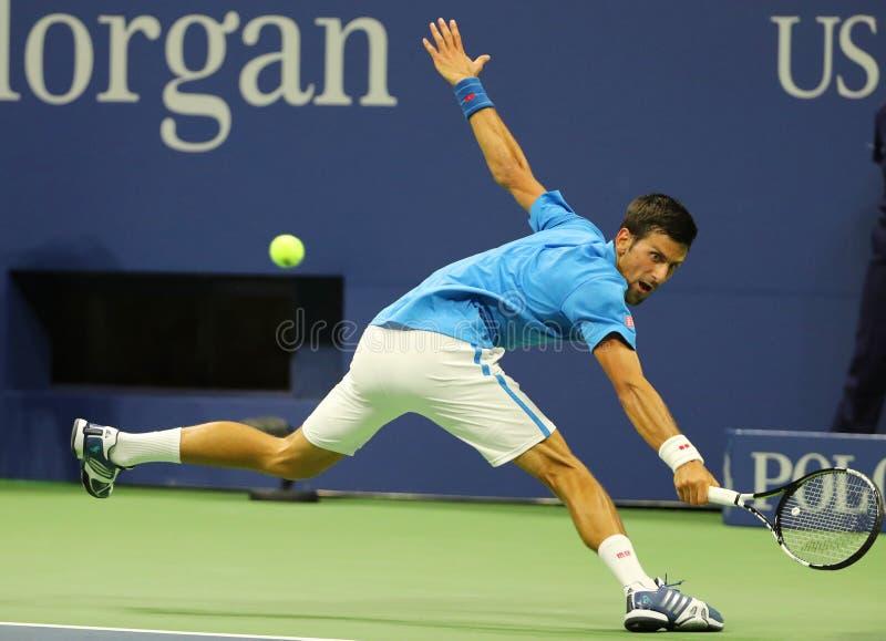 Campeão Novak Djokovic do grand slam da Sérvia na ação durante seu fósforo do círculo do US Open 2016 primeiramente fotografia de stock royalty free