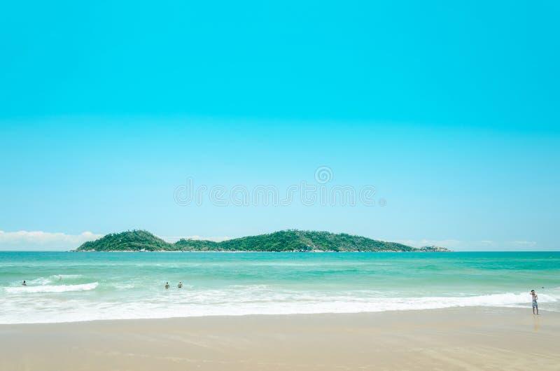 Campeche παραλία: Άνθρωποι που παίζουν στην παραλία στοκ φωτογραφίες με δικαίωμα ελεύθερης χρήσης