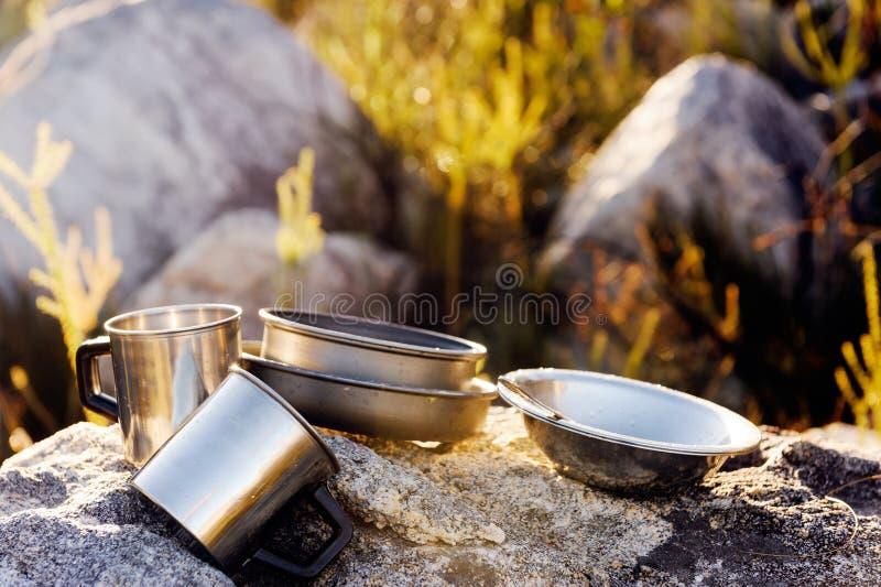 Campeggio cucinando ingranaggio fotografia stock