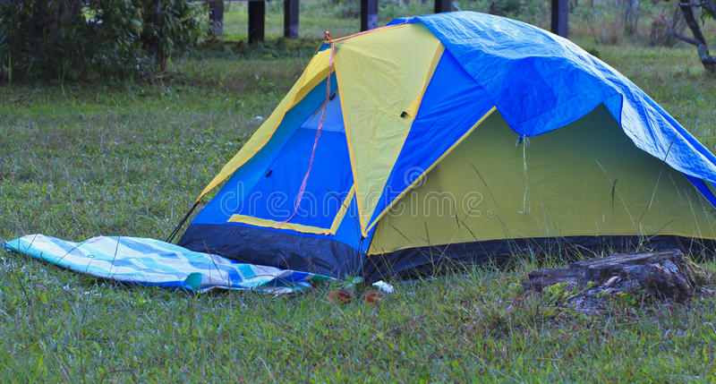 Campeggio della tenda fotografia stock