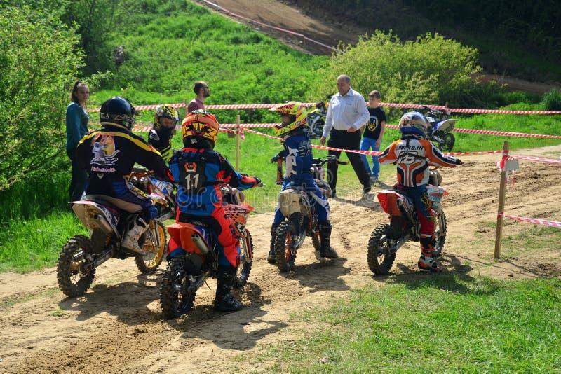 Campeonato aberto 2019 do motocross de Lviv da ra?a do motocross Mi?dos imagens de stock