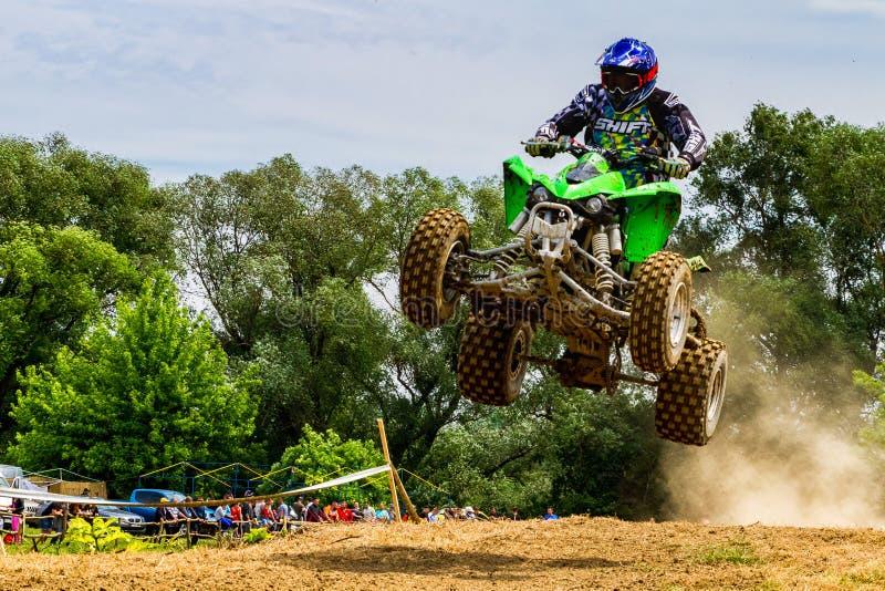 Campeonato da região de Zakarpatie no motocross em Uzhhorod foto de stock royalty free