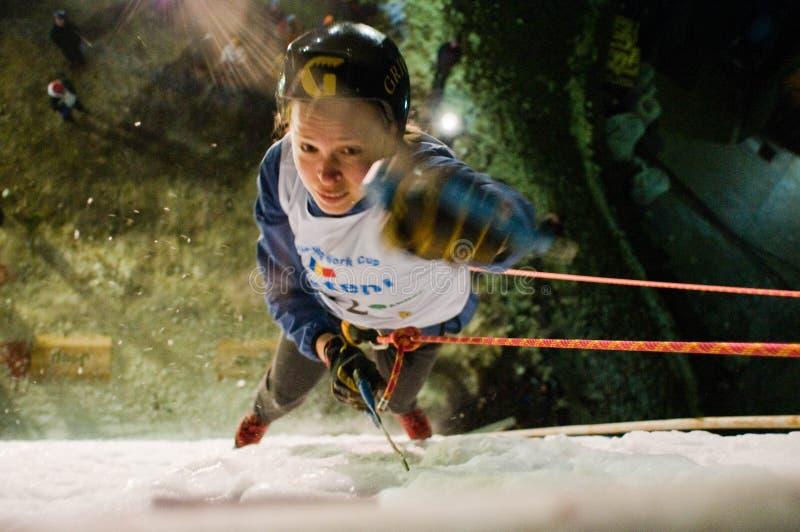 Campeonato de escalada Busteni 2009 do mundo do gelo - ROM imagens de stock royalty free