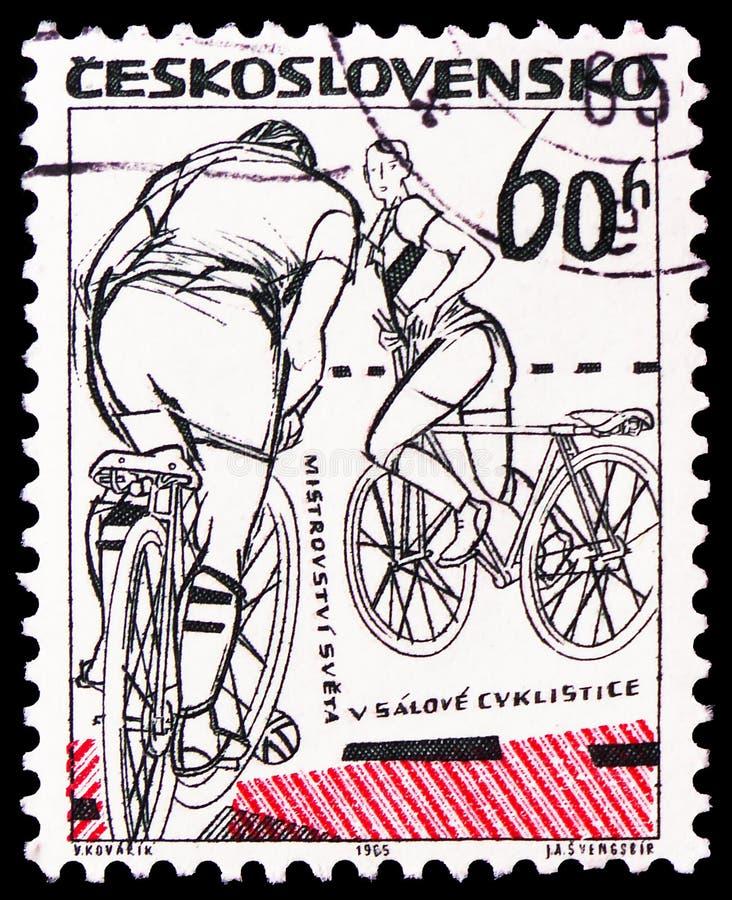 Campeonato mundial em Bicycling interno, Praga, serie 1965 dos esportes, cerca de 1965 fotografia de stock royalty free