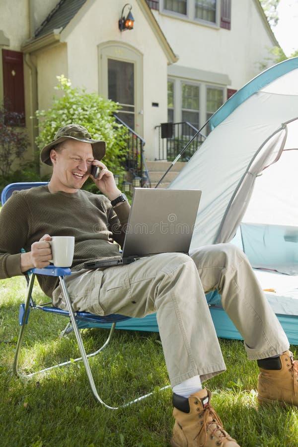 Camper à la maison photos stock