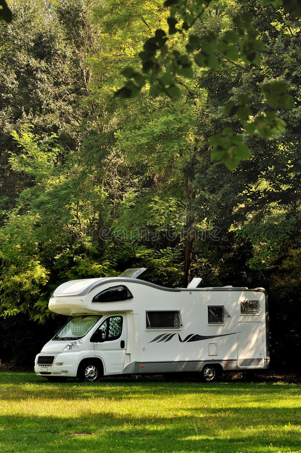 Camper Parked In A Countryside Royalty Free Stock Photography