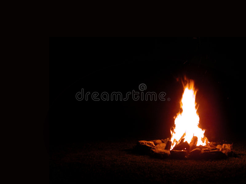 Campfire at night royalty free stock photos