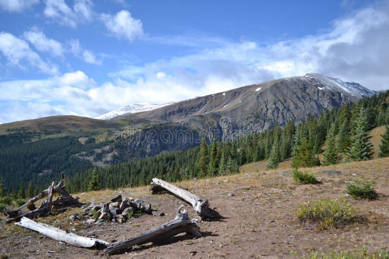 Campground da montanha imagem de stock