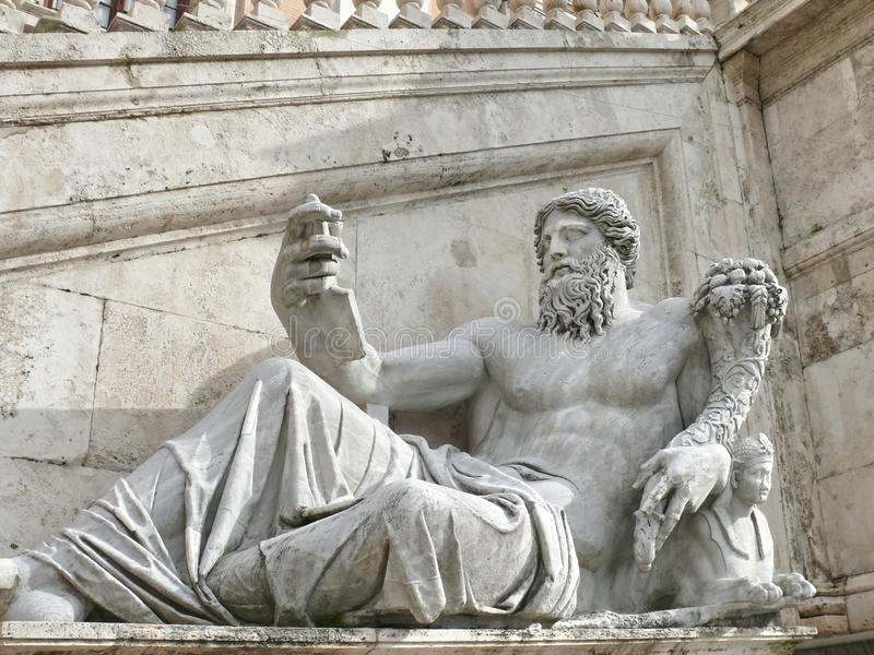 Campidoglio. Oud standbeeld. Rome. Italië royalty-vrije stock afbeelding