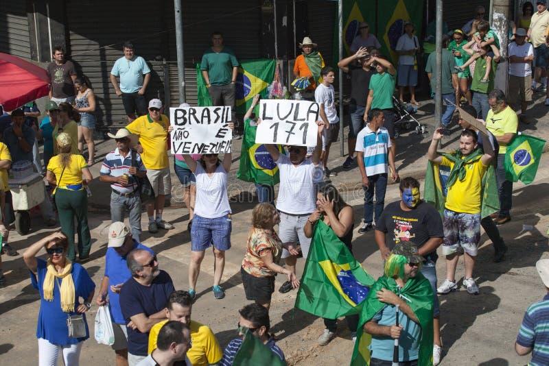 Campinas Brazylia, Sierpień, - 16, 2015: antyrządowi protesty w Brazylia, pyta dla Dilma Roussef impeachmenta fotografia stock