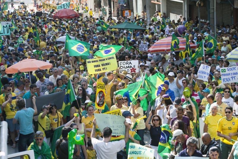 Campinas Brazylia, Sierpień, - 16, 2015: antyrządowi protesty w Brazylia, pyta dla Dilma Roussef impeachmenta obraz stock
