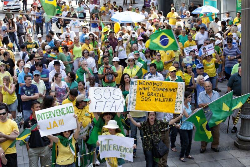 Campinas Brazylia, Sierpień, - 16, 2015: antyrządowi protesty w Brazylia, pyta dla Dilma Roussef impeachmenta obrazy royalty free