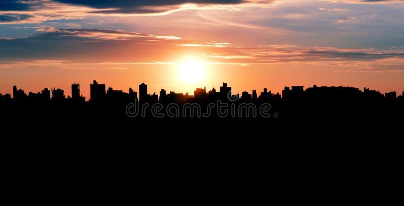 Campinas, SP - Бразилия: Силуэт городского пейзажа стоковые изображения rf