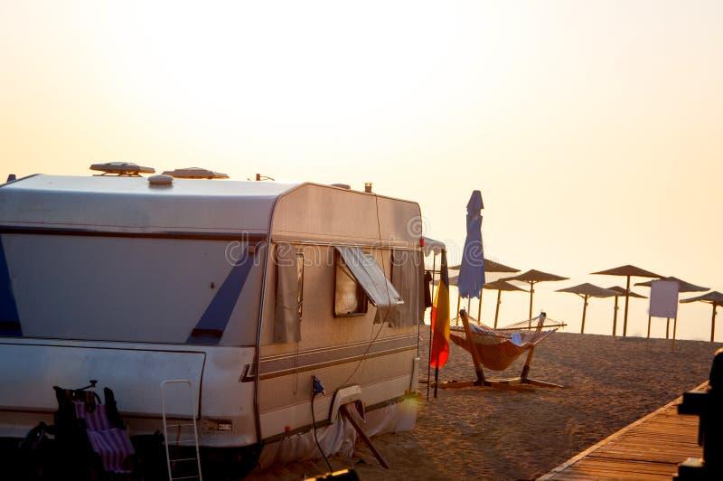 Camping de plage images libres de droits