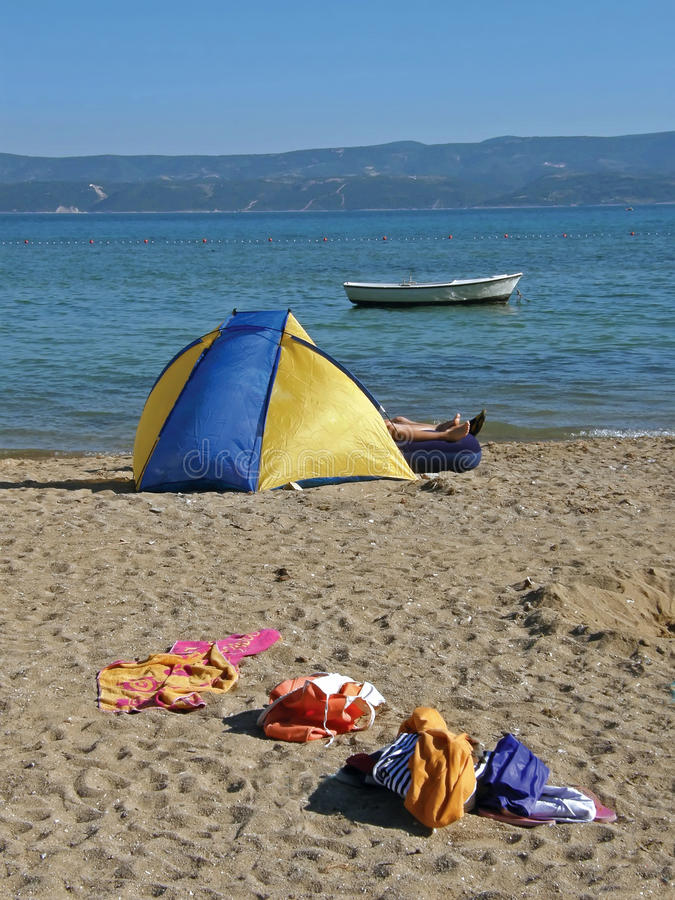Free Camping On Sandy Beach Royalty Free Stock Photos - 9862968