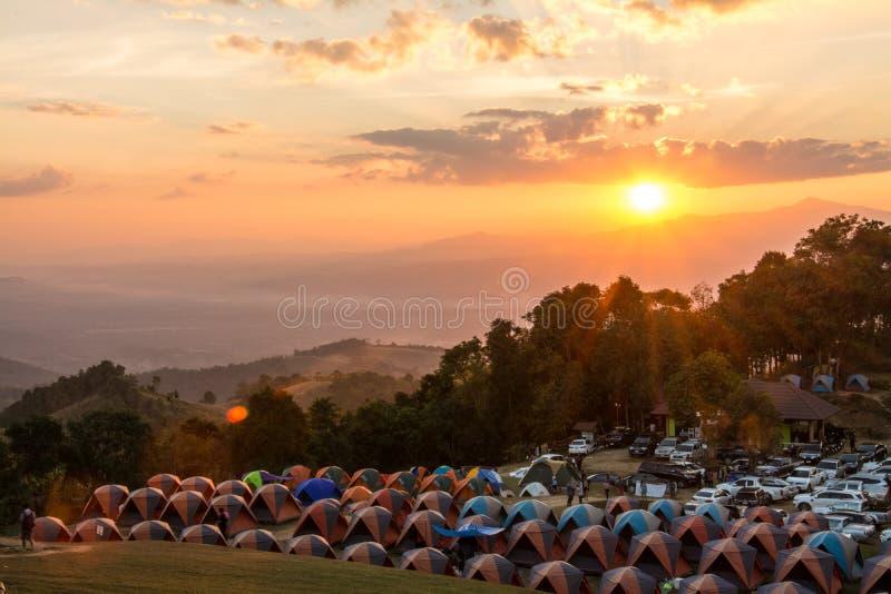 Campingowi namioty na Doi Samer Da zdjęcie royalty free