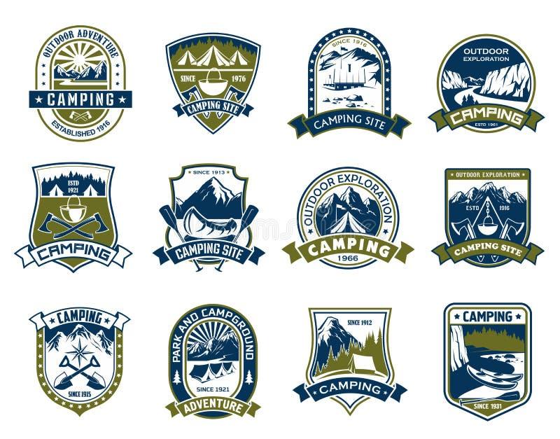 Campingowy i plenerowy przygody osłony odznaki projekt royalty ilustracja