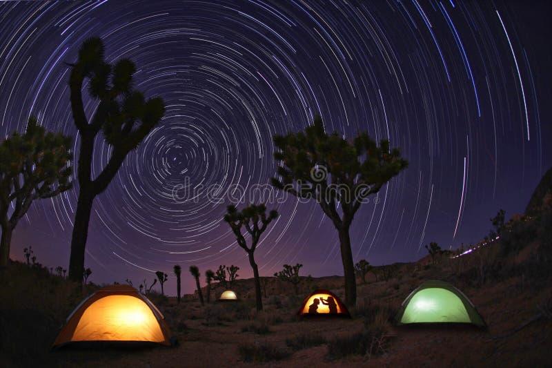 campingowy krajobrazu światło malować gwiazdy obraz royalty free