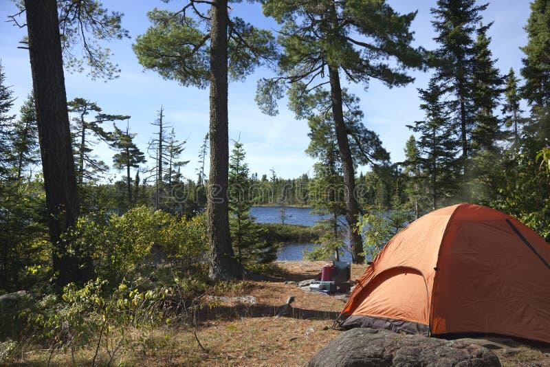Campingplatz-Unterlassungsboundary waters See in Minnesota lizenzfreie stockfotos
