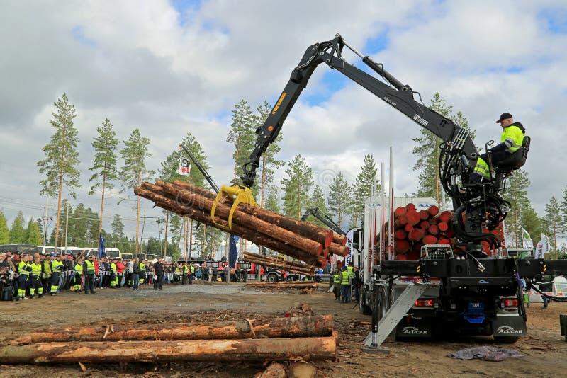 Campionati finlandesi in ceppo che carica 2014 immagine stock libera da diritti