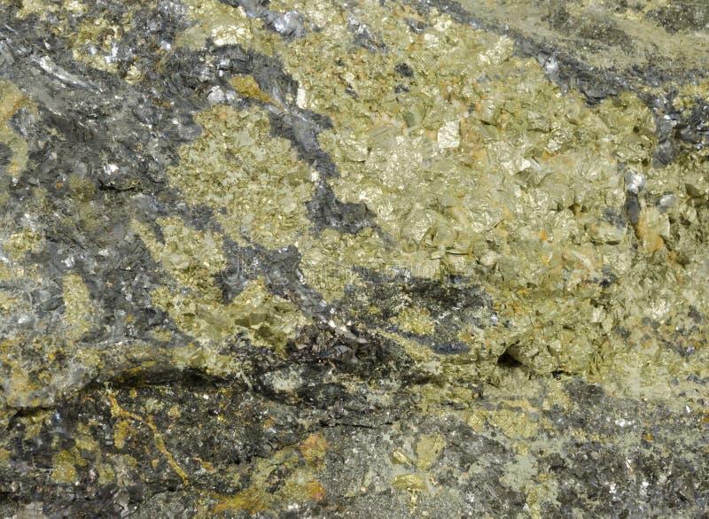 Campione ricco del minerale metallifero polimetallico dello rame-cavo-zinco fotografia stock