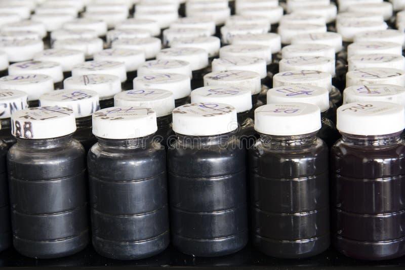 Campioni usati dell'olio fotografia stock libera da diritti