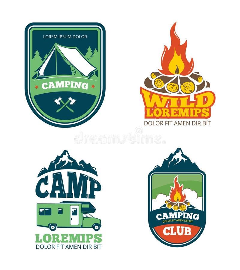 Campo all'aperto di avventura, facente un'escursione le etichette di campeggio di vettore, emblemi, logos, distintivi illustrazione vettoriale