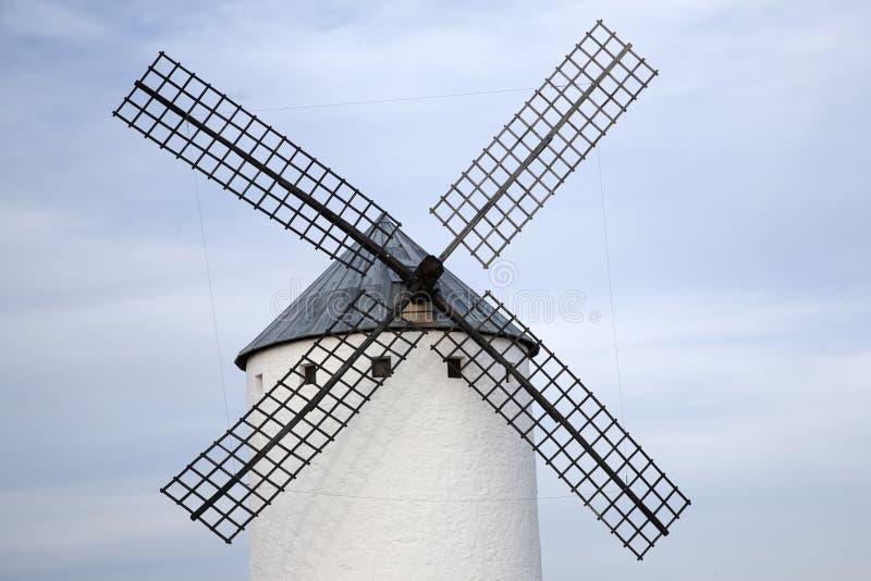 campo criptana de windmill royaltyfri foto