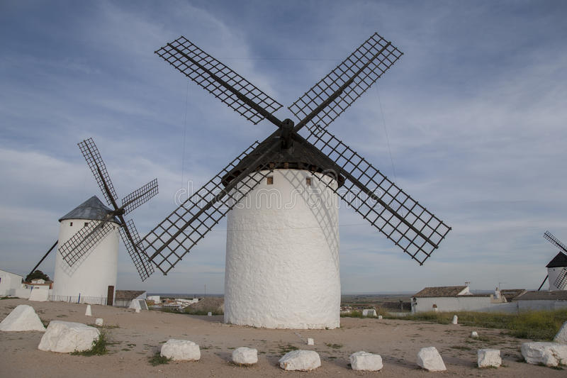campo criptana de windmill royaltyfria foton