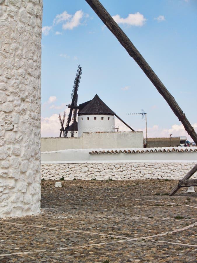 campo criptana de windmills fotografering för bildbyråer