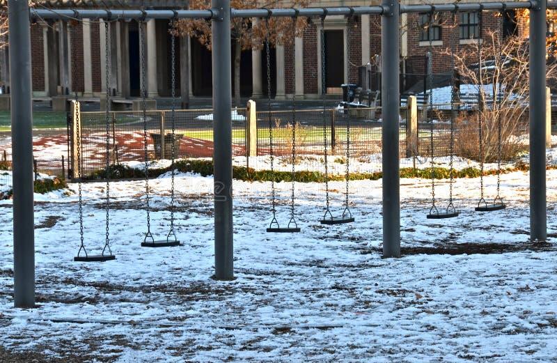 Campo da giuoco in Central Park, Manhattan, NYC nell'inverno fotografia stock