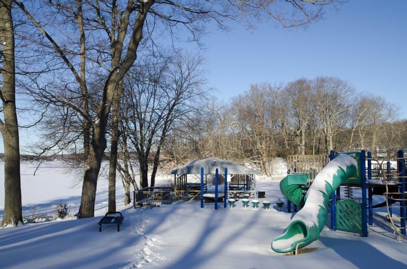 Campo da giuoco di inverno fotografia stock