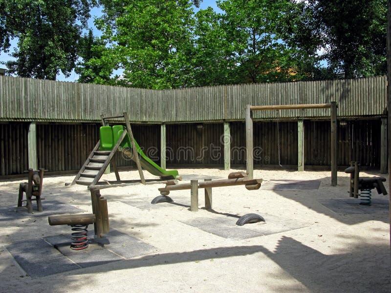 Campo da giuoco nel legno immagini stock libere da diritti