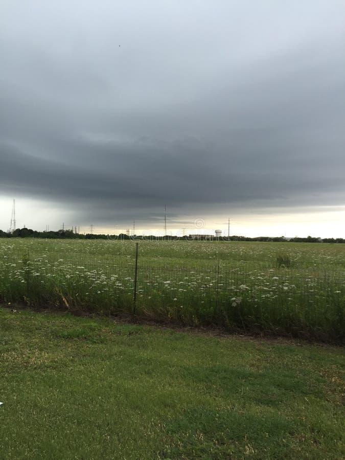 Campo da tempestade fotografia de stock