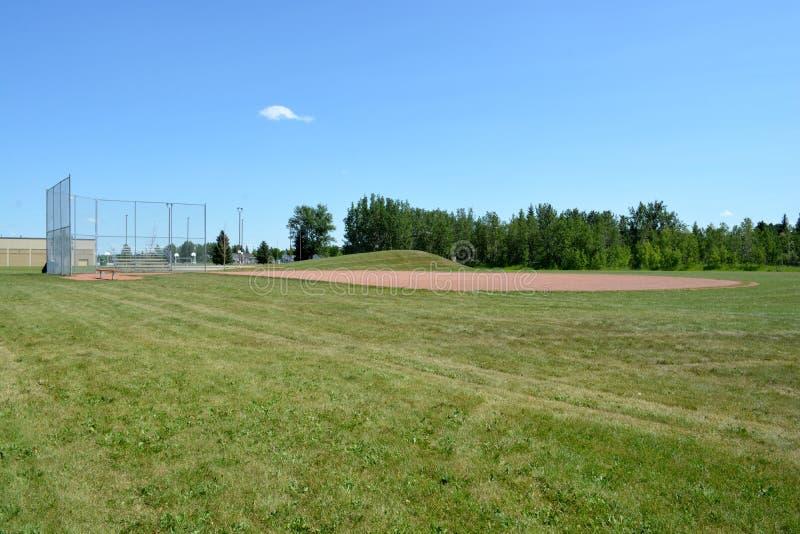 Campo de Basefield em um parque de comunidade local imagens de stock royalty free