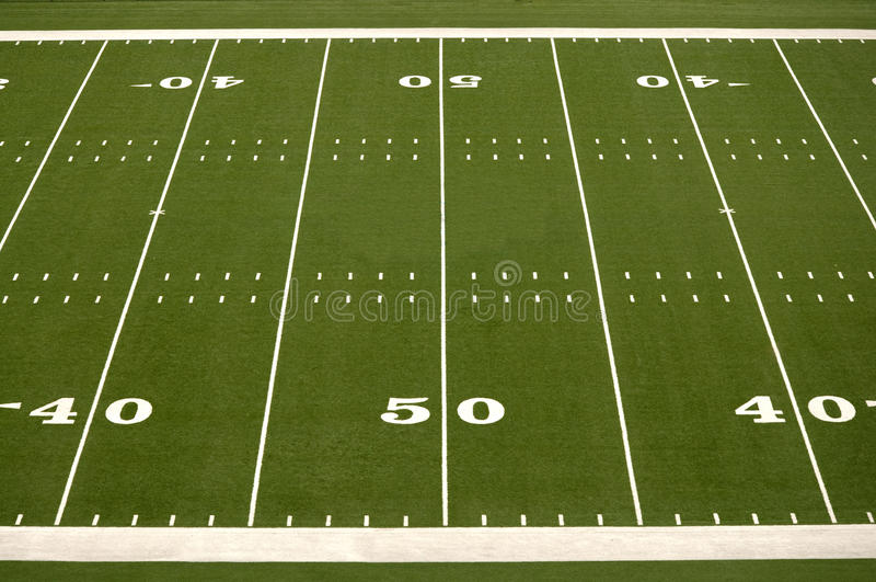 Campo de fútbol americano vacío fotos de archivo libres de regalías