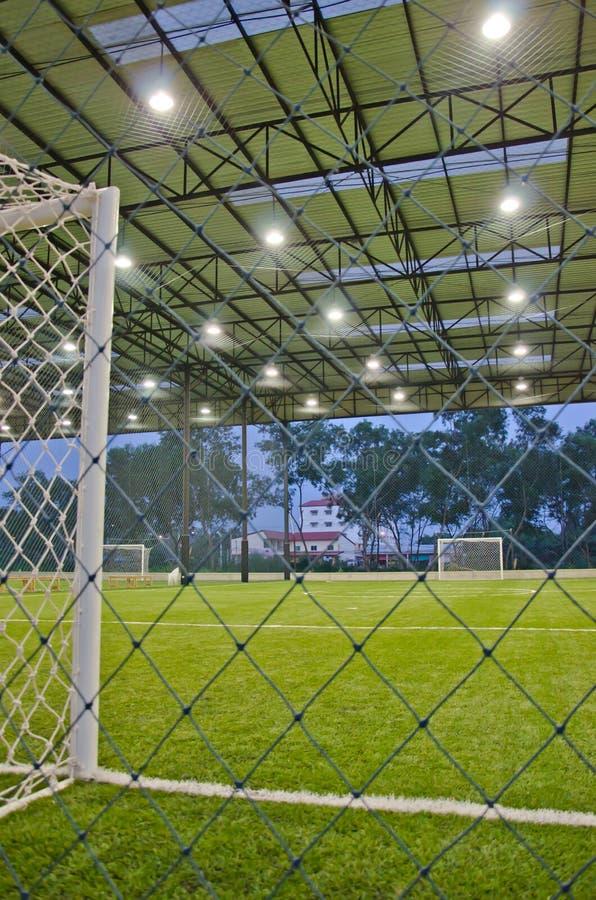Campo de fútbol de interior fotografía de archivo libre de regalías