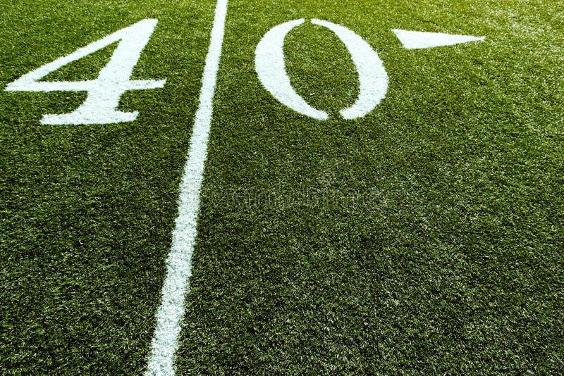 Campo de fútbol en la línea de yardas 40 fotos de archivo libres de regalías