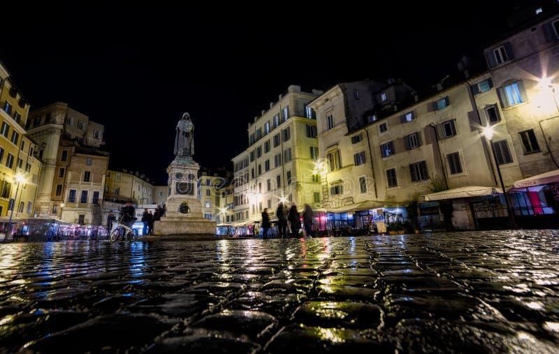 Campo de Fiori на ноче стоковое изображение rf