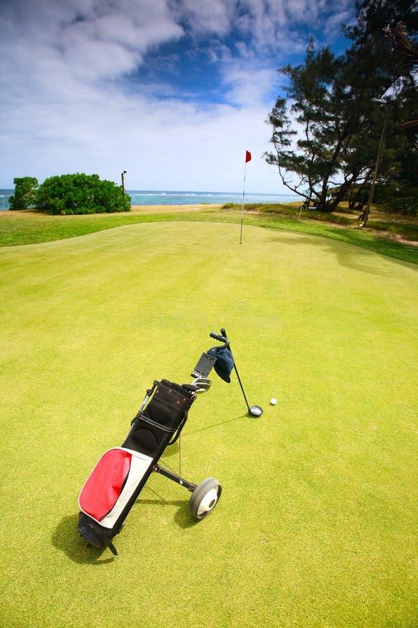 Campo de golf costero fotos de archivo