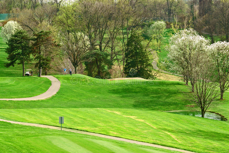 Campo de golf en primavera fotos de archivo libres de regalías