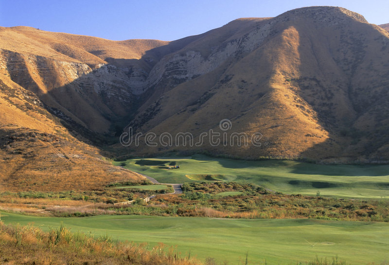 Download Campo de golfe foto de stock. Imagem de golf, verde, marrom - 52776
