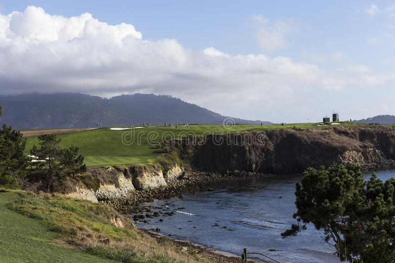 Campo de golfe de Pebble Beach, Monterey, Califórnia, EUA fotografia de stock royalty free