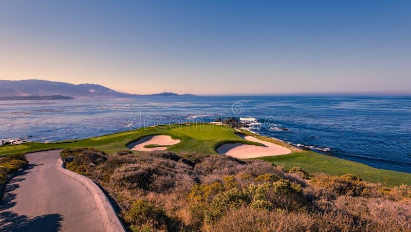 Campo de golfe de Pebble Beach, Monterey, Califórnia, EUA imagens de stock royalty free
