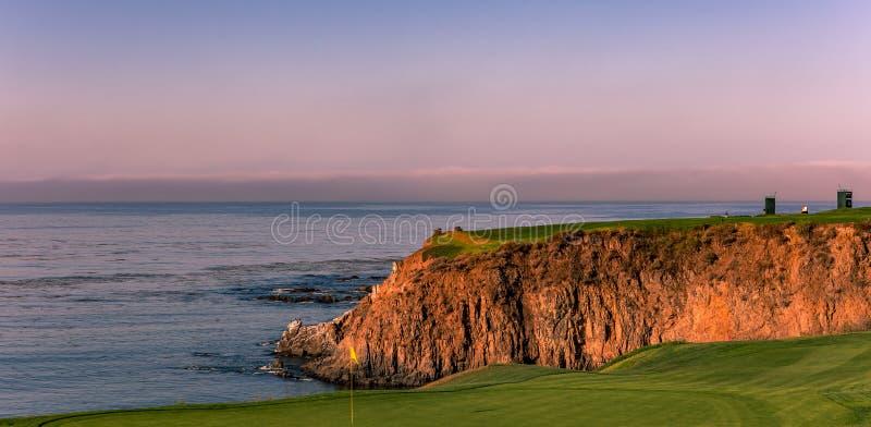 Campo de golfe de Pebble Beach, Monterey, Califórnia, EUA imagem de stock royalty free