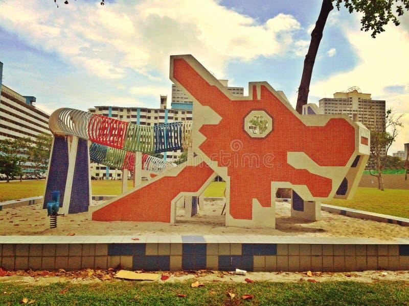 Campo de jogos histórico do dragão em Singapura imagens de stock royalty free