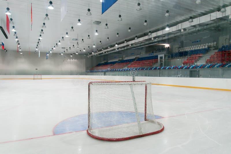 Campo de jogos vazio do hóquei de gelo fotografia de stock