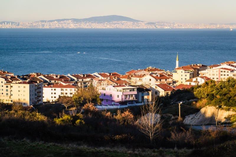 Campo de la ciudad de Cinarcik - Turquía imagenes de archivo
