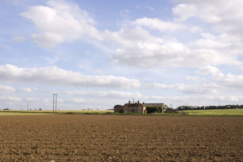 Campo de la tierra de las tierras de labrantío fotografía de archivo